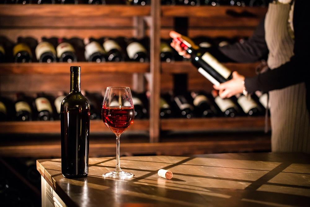 Luxury Home Amenities List - Wine and Tasting Rooms